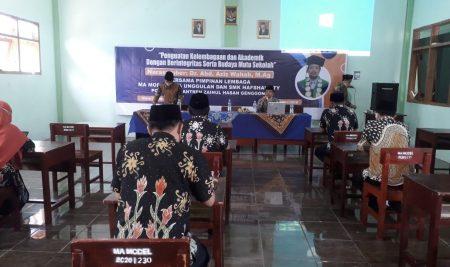 Tingkatkan Integritas, Yayasan Hafshawaty Gelar Pelatihan Akademik.
